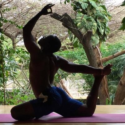 Kelly yoga lamu